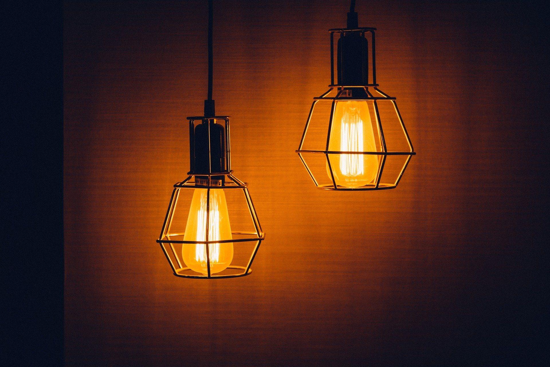 Lampeguru case